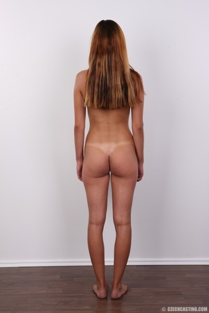 Slim long hair sexy wild looking chick g - XXX Dessert - Picture 15