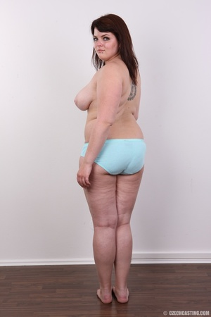 Chubby red hair babe shows cute fat ass, - XXX Dessert - Picture 8