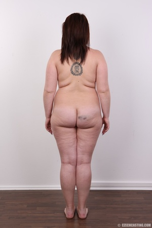 Chubby red hair babe shows cute fat ass, - XXX Dessert - Picture 15
