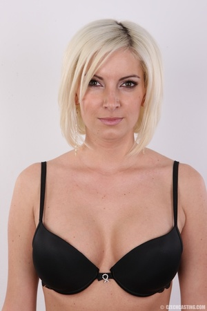Hot and young chick with super firm boob - XXX Dessert - Picture 5
