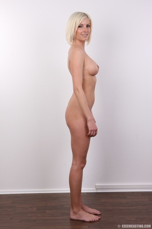 Hot and young chick with super firm boob - XXX Dessert - Picture 16