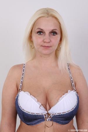 Chubby seductive blonde with hot big tit - XXX Dessert - Picture 3