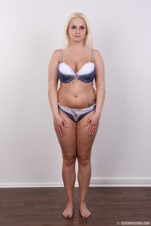 Chubby seductive blonde with hot big tit - XXX Dessert - Picture 4