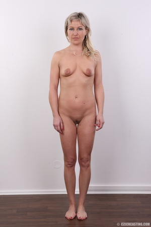 Horny cute blonde lady takes o ff clothe - XXX Dessert - Picture 9