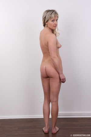 Horny cute blonde lady takes o ff clothe - XXX Dessert - Picture 12