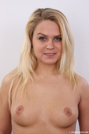 Happy blonde with hot ass and boobs show - XXX Dessert - Picture 11
