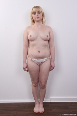 Pretty blonde with sexy chubby figure sh - XXX Dessert - Picture 7