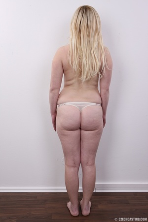 Pretty blonde with sexy chubby figure sh - XXX Dessert - Picture 8