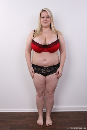 Cute face chubby blonde with real big ti - XXX Dessert - Picture 7