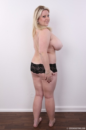 Cute face chubby blonde with real big ti - XXX Dessert - Picture 12