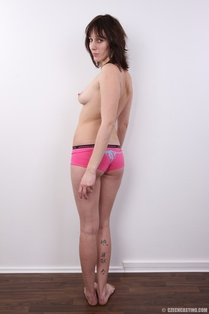 Tall brunette looking for fun strips to  - XXX Dessert - Picture 15
