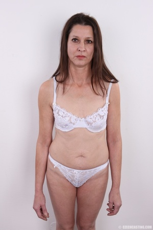 Matured horny mama feeling horny shows p - XXX Dessert - Picture 5