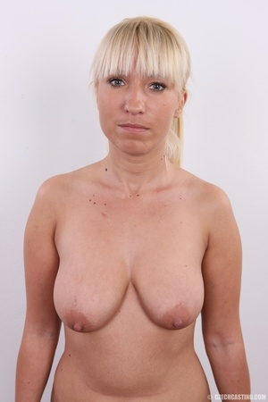 Blonde with seductive body showing big t - XXX Dessert - Picture 10