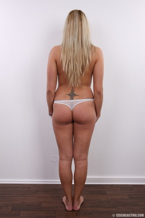 Fleshy tattooed blonde beauty shows slig - XXX Dessert - Picture 14
