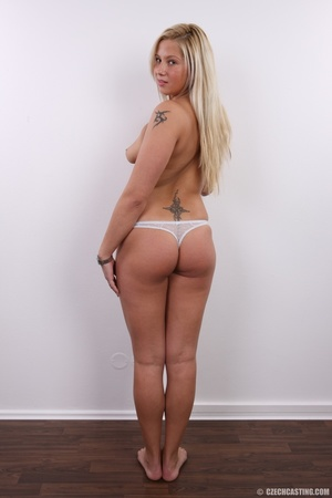 Fleshy tattooed blonde beauty shows slig - XXX Dessert - Picture 15