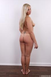 fleshy tattooed blonde beauty