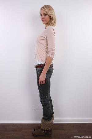 Slim exotic looking blonde shows hot tig - XXX Dessert - Picture 4