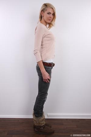 Slim exotic looking blonde shows hot tig - XXX Dessert - Picture 5