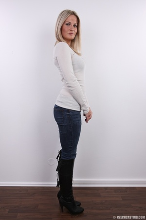 Hot blonde vixen with soft boobs, round  - XXX Dessert - Picture 3