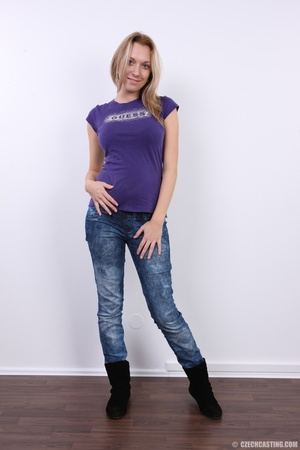 Cute pregnant blonde looking slim and se - XXX Dessert - Picture 3