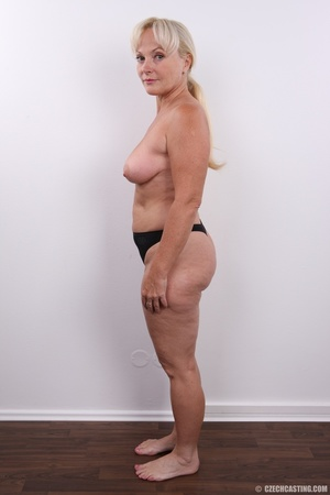 Matured experienced blonde with hairy pu - XXX Dessert - Picture 12
