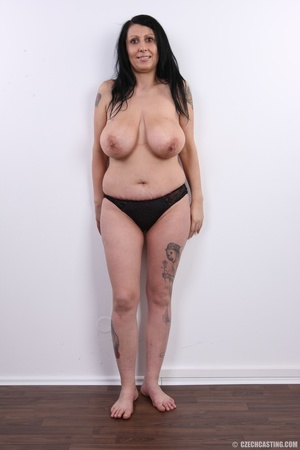 Mature brunette with colorful tattoos, s - XXX Dessert - Picture 8