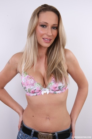 Cute sexy long legged blonde with hot ti - XXX Dessert - Picture 5