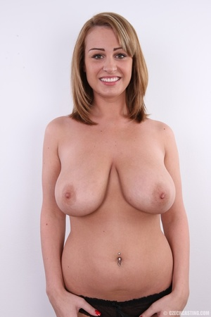 Young cute and busty blonde shows huge s - XXX Dessert - Picture 11