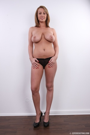 Young cute and busty blonde shows huge s - XXX Dessert - Picture 15