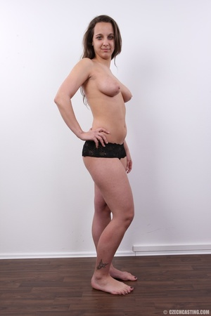Young babe with sexy eyes and smile show - XXX Dessert - Picture 23