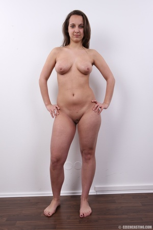 Young babe with sexy eyes and smile show - XXX Dessert - Picture 25