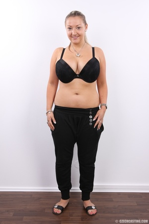 Hot chubby blonde with super big tits, h - XXX Dessert - Picture 3