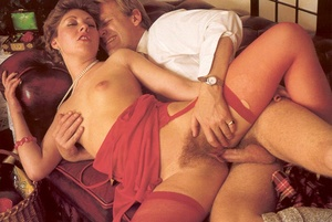 Hairy seventies lady seduced by this hor - XXX Dessert - Picture 10