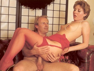 Hairy seventies lady seduced by this hor - XXX Dessert - Picture 13