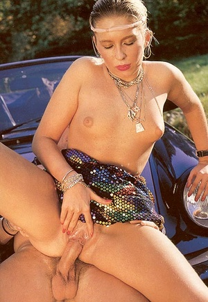 Dirty seventies girl enjoys to get fucke - XXX Dessert - Picture 10