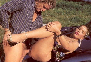 Dirty seventies girl enjoys to get fucke - XXX Dessert - Picture 12