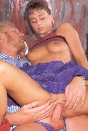 Seventies lady sucking his dick for a bi - XXX Dessert - Picture 7