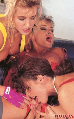 Three very cute retro lesbians love fond - XXX Dessert - Picture 7