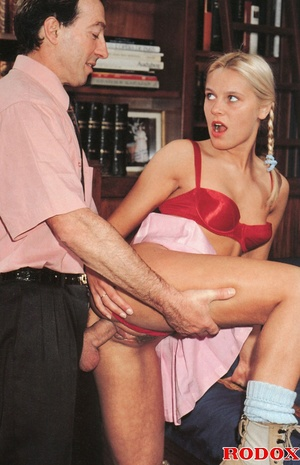 Very cute retro blonde banged by her hor - XXX Dessert - Picture 6