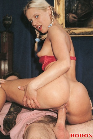 Very cute retro blonde banged by her hor - XXX Dessert - Picture 10