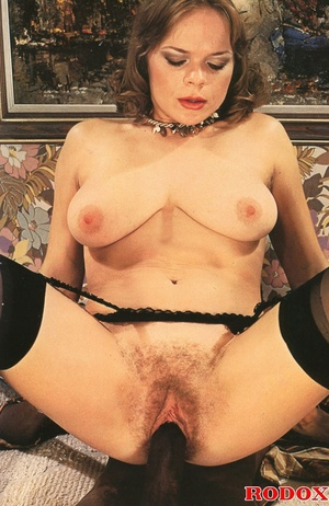 Very lucky retro babe nailed by a huge b - XXX Dessert - Picture 8