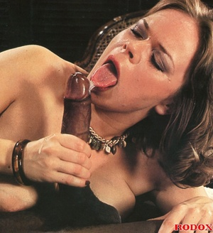 Very lucky retro babe nailed by a huge b - XXX Dessert - Picture 13
