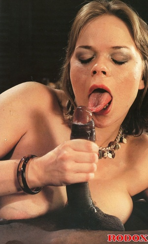 Very lucky retro babe nailed by a huge b - XXX Dessert - Picture 14