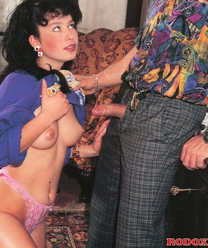Horny retro fellow likes nailing her soa - XXX Dessert - Picture 3