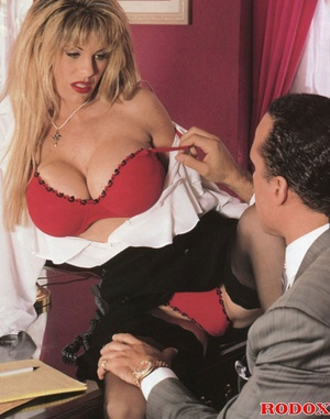 Pretty retro secretary shagging the horn - XXX Dessert - Picture 3