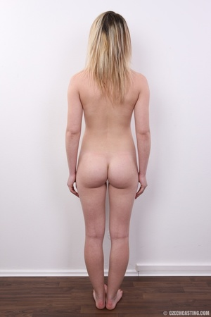 Young teen blonde looking for something  - XXX Dessert - Picture 16