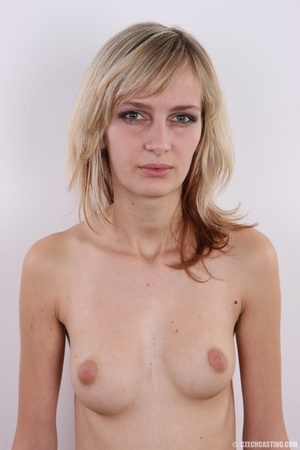 Slender and seductive blonde shows sexy  - XXX Dessert - Picture 11
