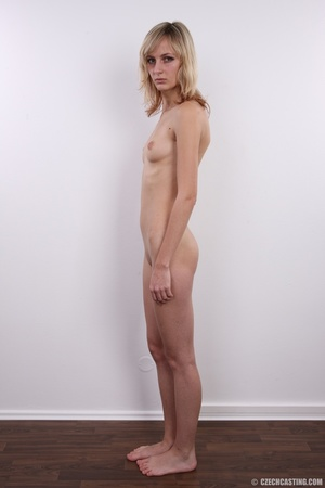 Slender and seductive blonde shows sexy  - XXX Dessert - Picture 15
