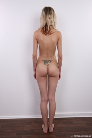 Slender and seductive blonde shows sexy  - XXX Dessert - Picture 16