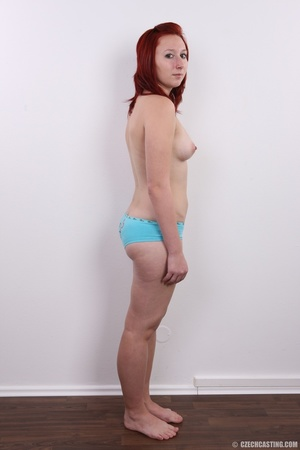 Young redhead looking extra inviting nud - XXX Dessert - Picture 8
